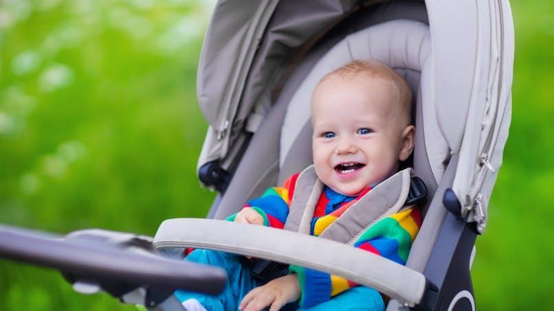 Soleil: pourquoi couvrir la poussette de bébé est une mauvaise idée