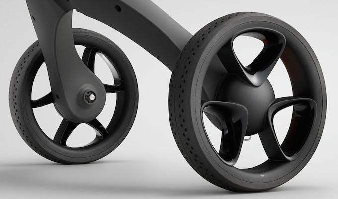 Poussette Xplory de Stokke - roues avec pneus en caoutchouc