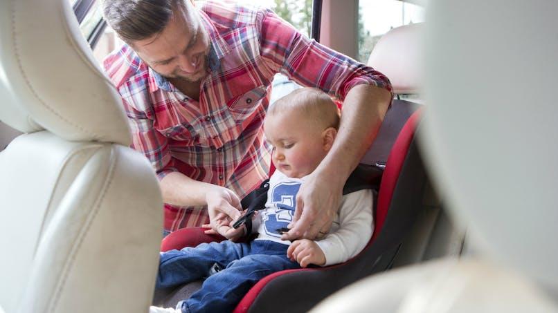 Bébé en voiture : comment voyager en toute sécurité?