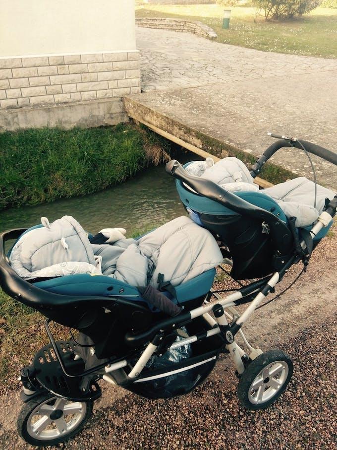 Poussette double Powertwin Pro de Jané - coques sièges-auto 0+ cosys
