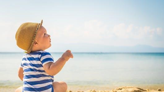 8 précieux conseils avant de partir en vacances avec bébé
