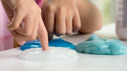 Le slime, la pâte à la mode responsable de brûlures chez les enfants