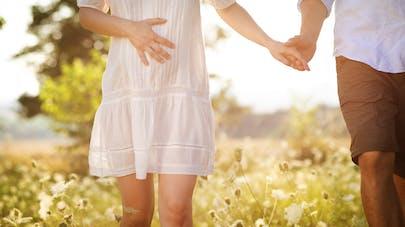couple de trentenaire grossesse
