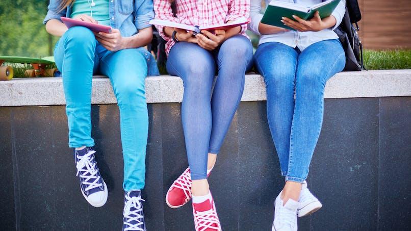 Australie: les filles ont enfin le droit au pantalon à l'école!