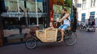 père vélo cargo enfant