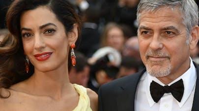 Clooney admiratif de sa femme qui allaite