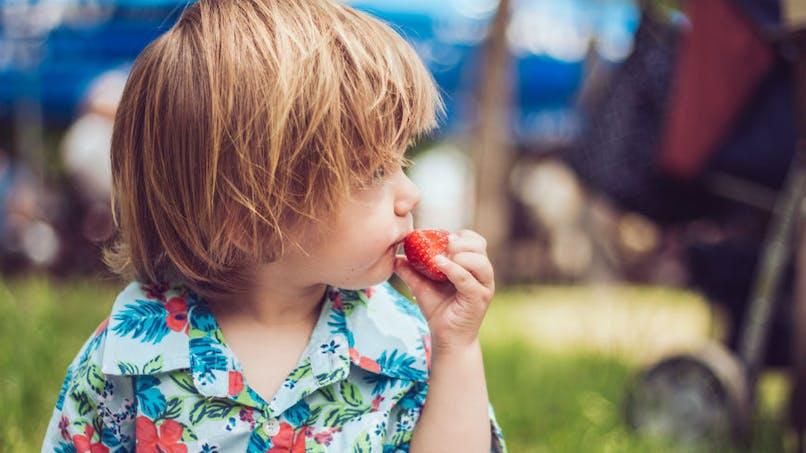 La vermifugation à grande échelle améliore la santé des enfants