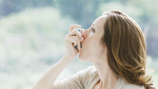 L'asthme augmente le risque de complications pendant la grossesse et l'accouchement