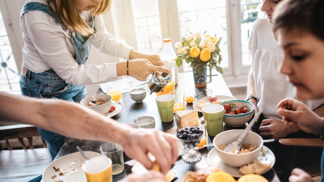 Enfants : conseils de psychologue pour des repas sans stress