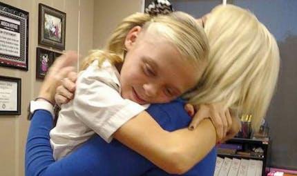 La réaction de cette fillette qui apprend qu'elle est adoptée fait chaud au cœur (VIDEO)