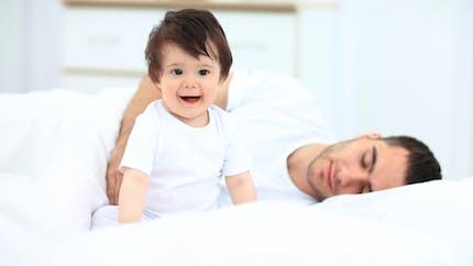 Mon fils de deux ans dort toujours dans notre lit