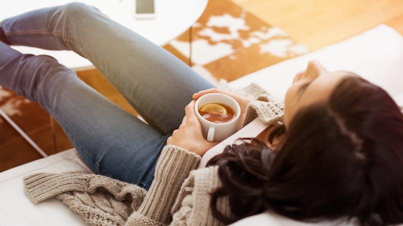 Pourquoi le thé peut-il donner la nausée ?
