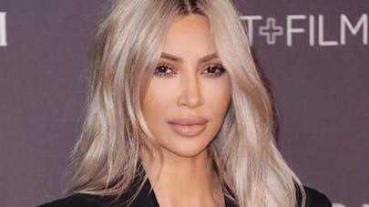 Kim Kardashian parle de sa mère porteuse