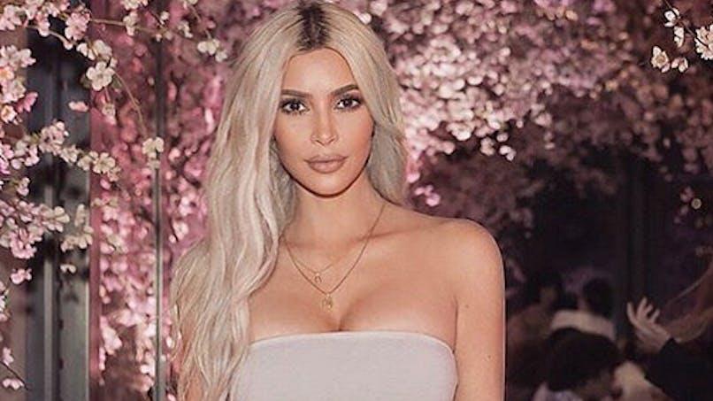 Kim Kardashian dévoile sa carte de Noël : ses enfants sont à croquer (photos)