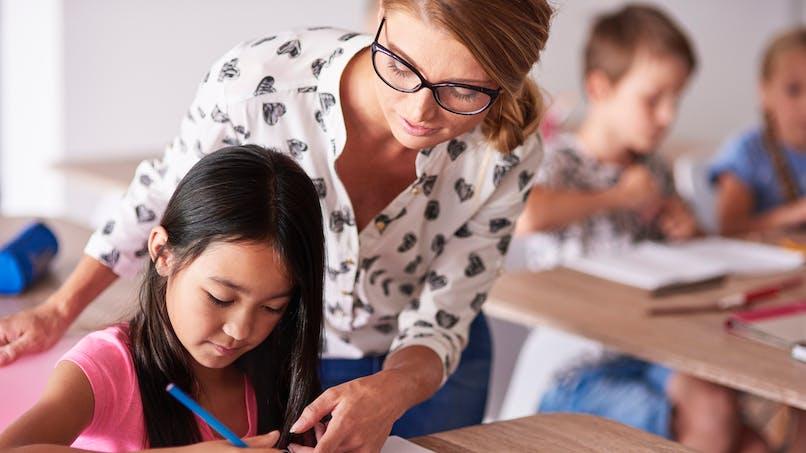 Handicap: 4 800 postes supplémentaires d'auxiliaires de vie scolaire vont être créés