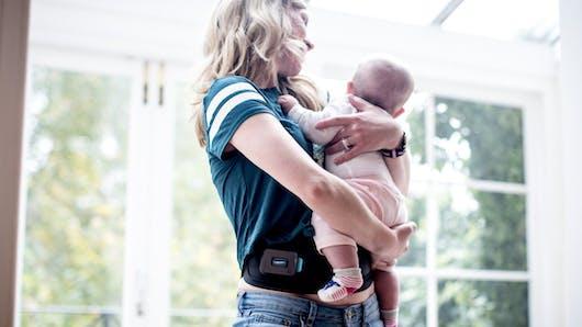 Slendertone reconnecte les jeunes mamans à leurs abdominaux, avec la nouvelle ceinture Connect Abs.