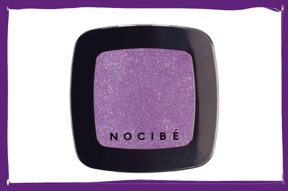 ombre à paupières violette