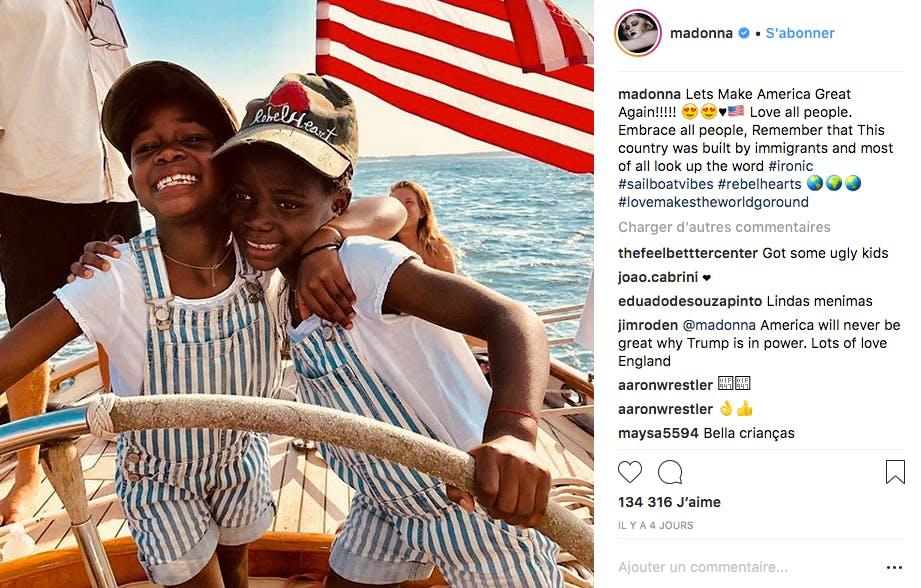 Balade en bateau pour Madonna et ses deux plus jeunes filles