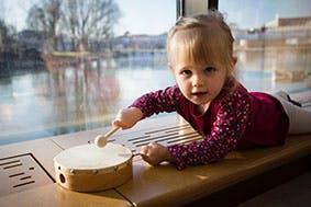 Vive le tambourin au bord de l'eau !