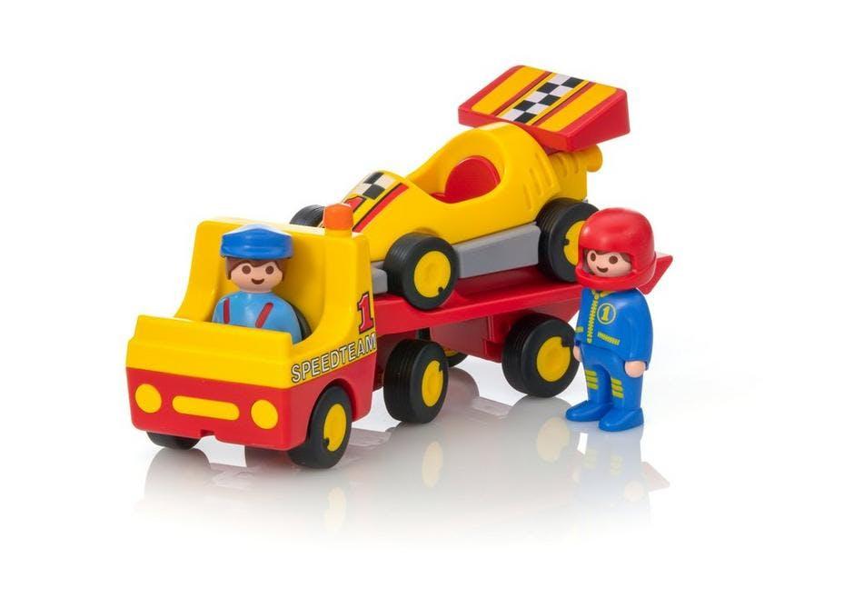 Voiture de course et son camion de transport