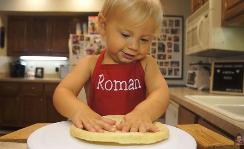 Roman, le plus petit (et le plus mignon) des chefs cuistots !