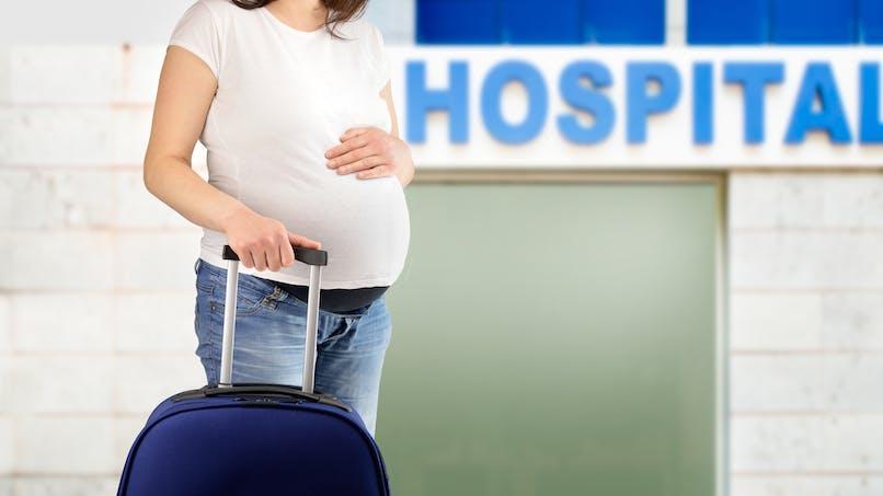 Chine : elle accouche dans son pantalon dans le hall de l'hôpital