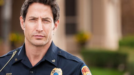 Policier, il sauve un bébé durant sa première intervention