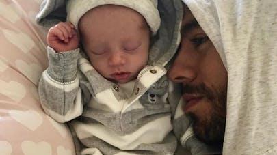 Enrique Iglesias et Anna Kournikova présentent leurs jumeaux ...