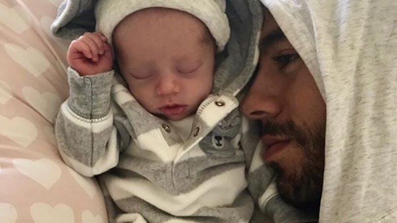 Enrique Iglesias et Anna Kournikova posent avec leurs jumeaux