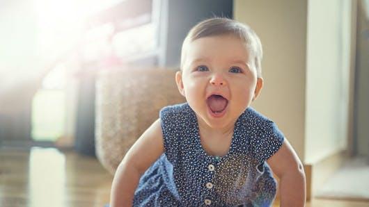 Les bébés remuent des nuages de particules quand ils rampent