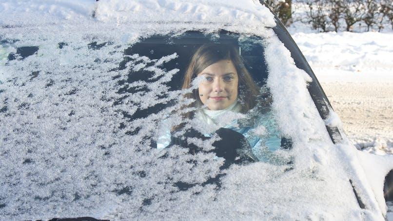 Chutes de neige : une femme enceinte s'est retrouvée coincée sur la N 118