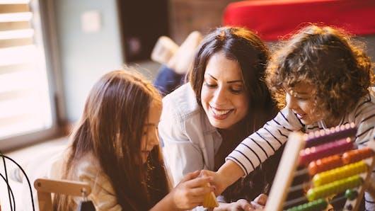 Nos conseils pour bien choisir la nounou de votre enfant