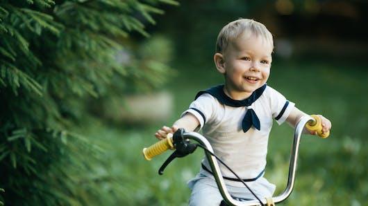 Bébé à vélo