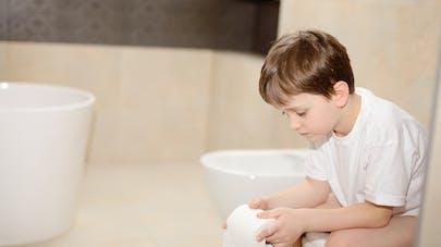 Belgique : un petit garçon se retrouve collé sur la cuvette des toilettes d'un restaurant Quick
