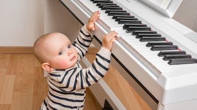 d5b68f2cfa62 Développement de l ouïe   quand et comment bébé entend   PARENTS.fr