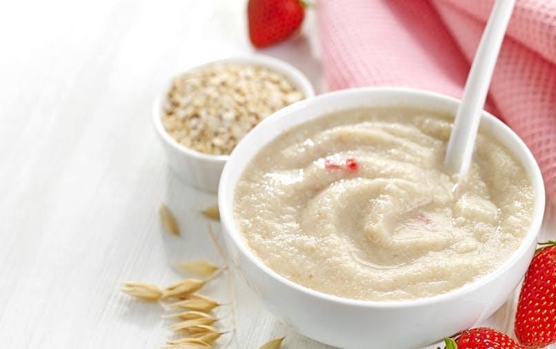 assiette de céréales bébé