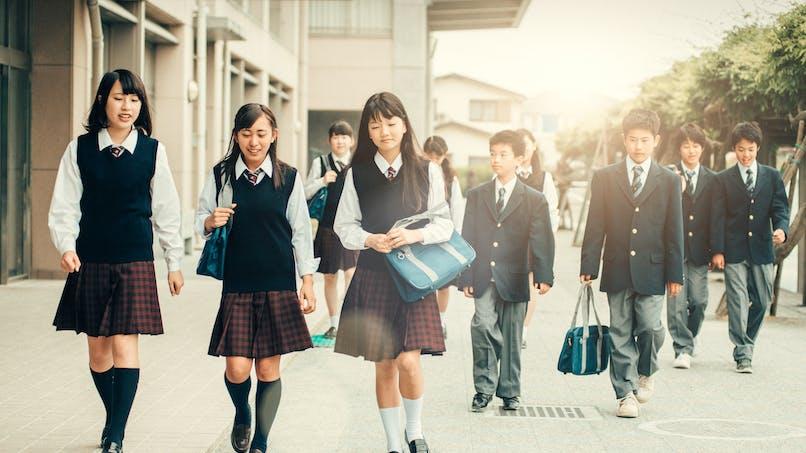 Tokyo : une école ayant choisi des uniformes Armani contrainte d'engager des vigiles