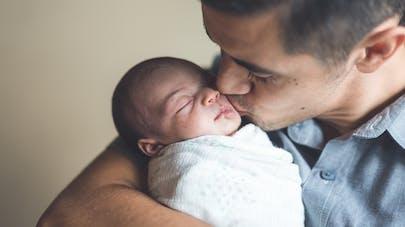 nouveau-né et son papa