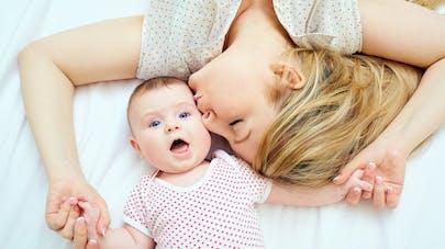 jeune mère et son bébé