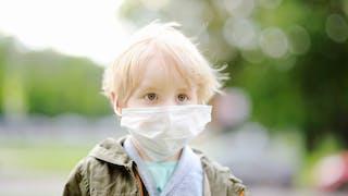 enfant contagieux masque