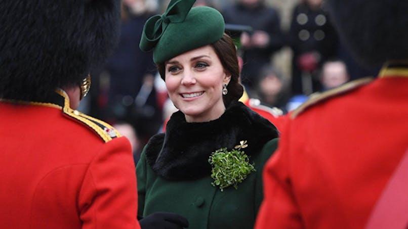 Kate Middleton enceinte et radieuse pour fêter la Saint-Patrick (photos)