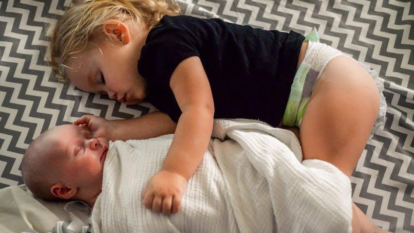 Mort subite du nourrisson : les frères et sœurs seraient aussi à risque