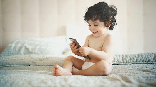 Les enfants de moins de 2 ans n'apprennent rien lorsqu'ils sont sur Youtube