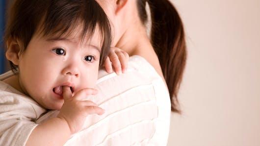 Vidéo : un bébé simule une crise de larmes à la perfection