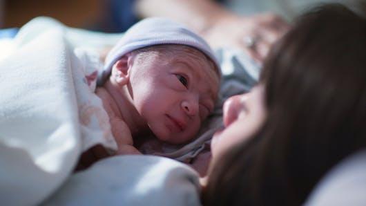 Découvrez la métamorphose d'un nouveau-né, une heure seulement après sa naissance (photos)