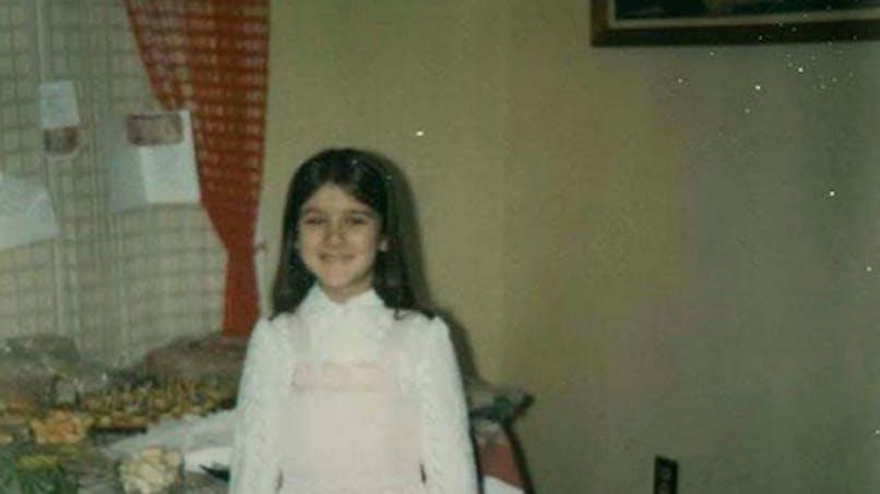 Quelle est l'énorme star mondiale qui se cache derrière cette petite fille ?