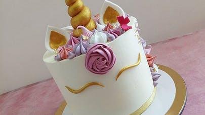 Elle Voulait Un Adorable Gâteau Licorne Pour Lanniversaire