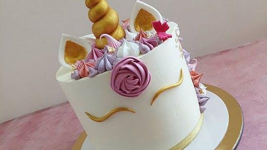 Elle commande un gâteau-licorne pour sa fille : le résultat ne l'a pas fait rire (mais nous si !)