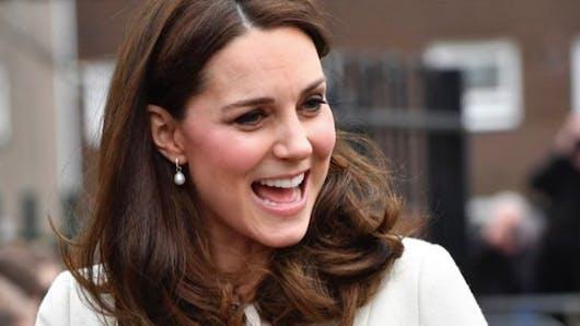 Accouchement imminent pour Kate Middleton : les barrières ont été installées devant l'hôpital !