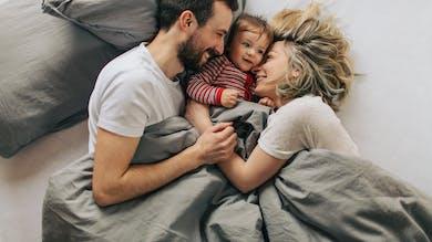 parents et leur bébé